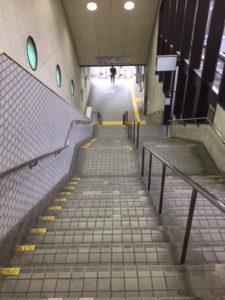 鎌ヶ谷大仏駅 階段付近